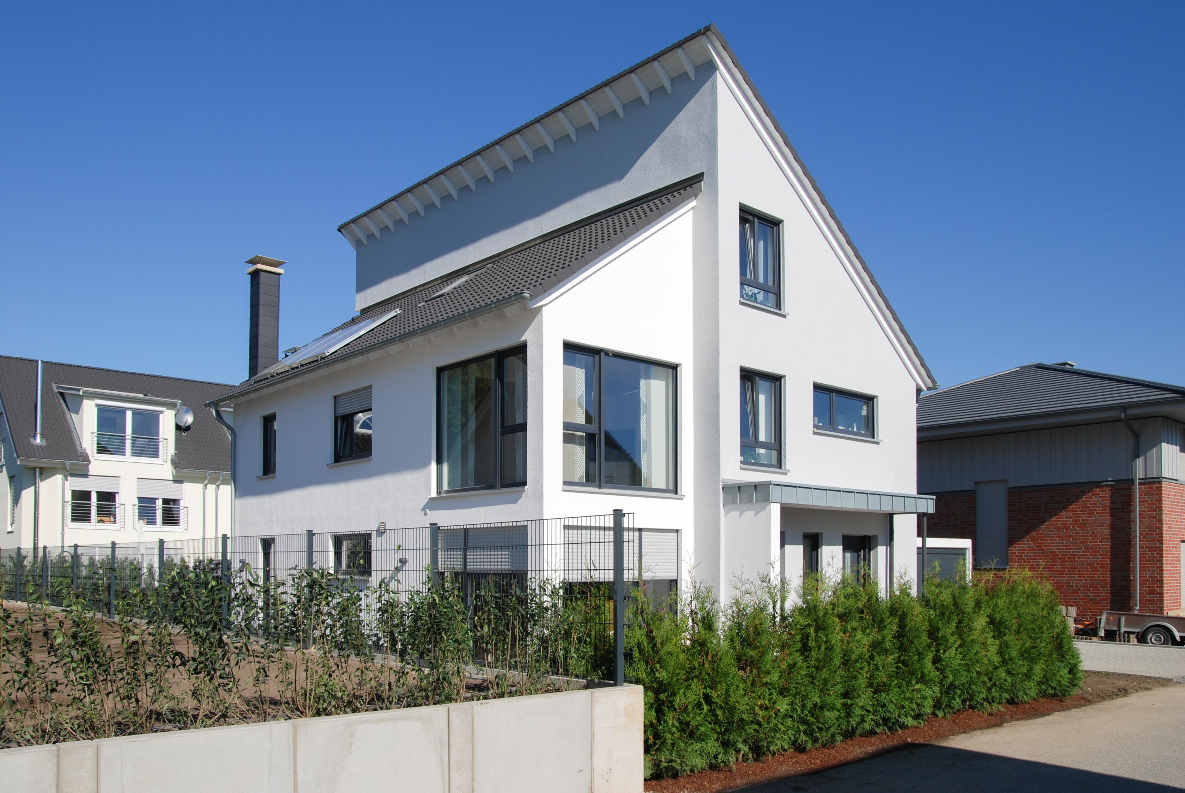 zweifamilienhaus mit besonderer aufteilung schwingeler. Black Bedroom Furniture Sets. Home Design Ideas